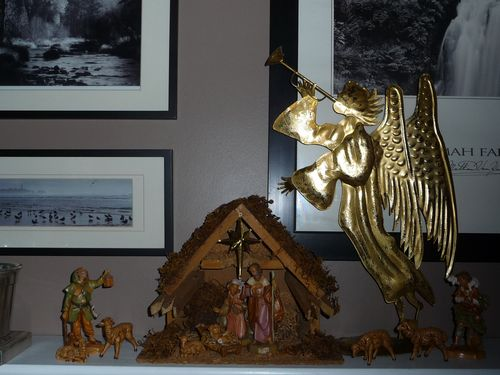 Mantel nativity