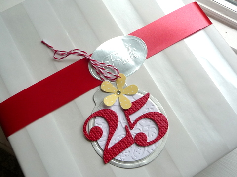 25 tag on gift (2)